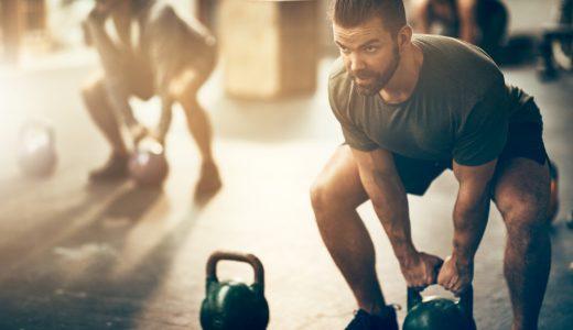スクワットで腹筋は割れる?実践的なトレーニング方法を徹底解説!