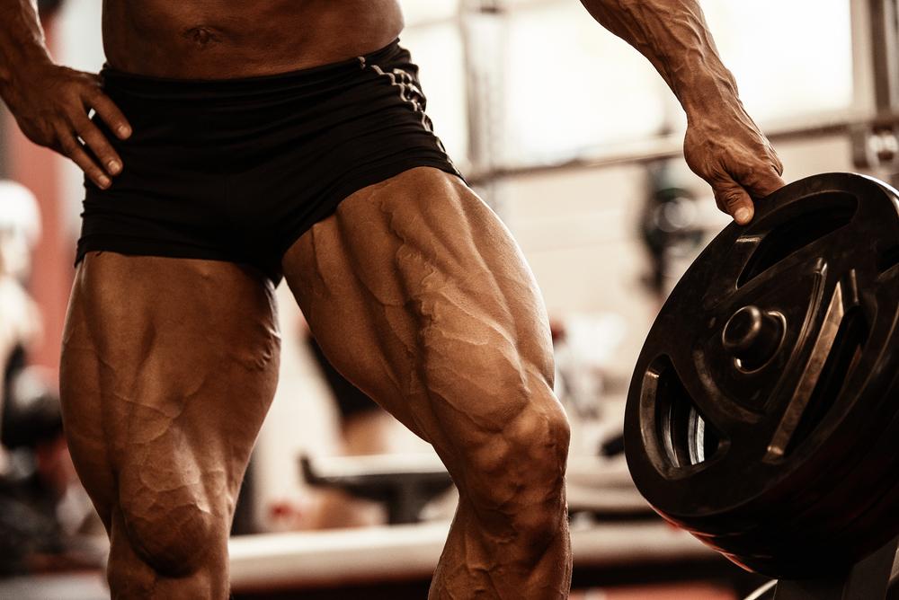 太ももの筋肉がついた男性